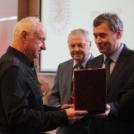 Aranyjelvény kitüntetést kapott Seres Rudolf egykori sportlövőnk és edzőnk